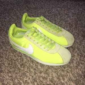 hot sale online ce74d 3bf5c ... coupon code for nike shoes neon green nike cortez. size 7y 3b9db 9ce0b